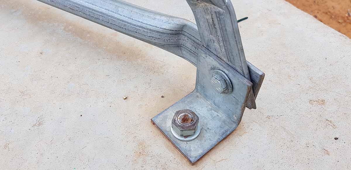 עיגון כיפה גאודזית לריצפת בטון