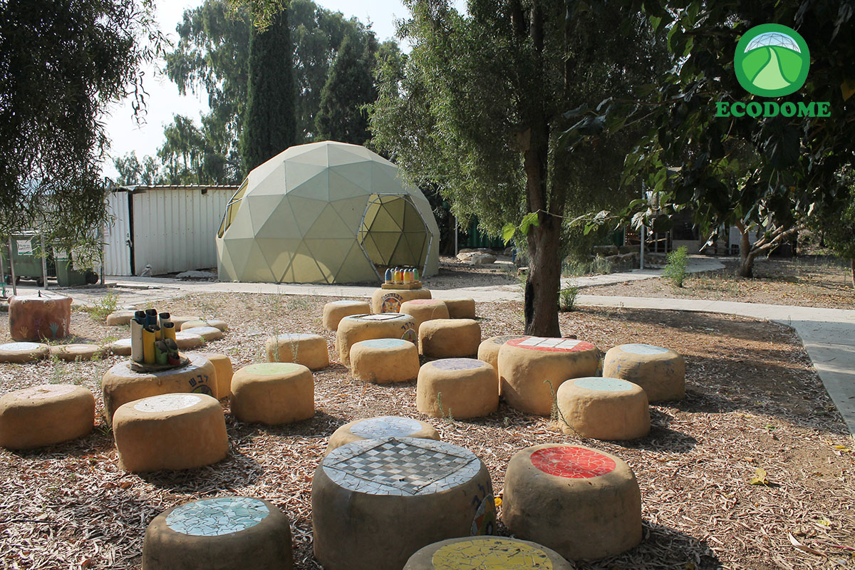כיפת גן מוצלת - כיפה גאודזית עם רשת צל