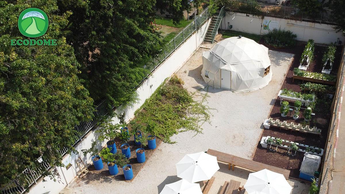דום מבודד של אקודום - כפר הנוער עתיד דוד רזיאל הרצליה