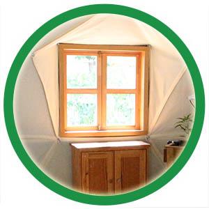 חלון עץ כפרי לכיפה גאודזית
